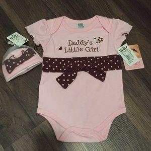 """NWT """"Daddy's Little Girl"""" onesie with hat"""